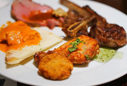 Разнообразное меню ресторана ARIA