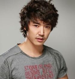 Yoon Sang-hyun (윤상현)
