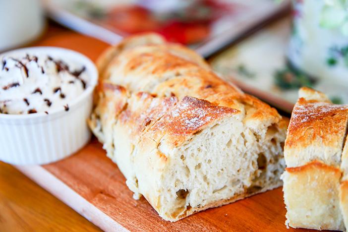 Хлеб на основе натуральных дрожжей, кофе и бранч