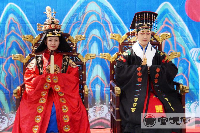 Recreación de la boda real de Gojong y Myeongseong (cortesía de la Residencia Real Unhyeongung)