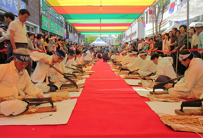 Performance at the Chuncheon International Mime Festival (Credit :  Chuncheon International Mime Festival)