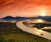 Garten und Sonnenuntergang der Bucht Suncheonman