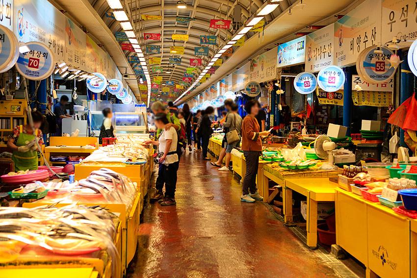 Вход на рынок Тонмун (сверху)