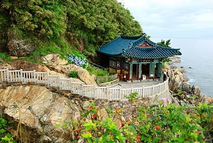 Храм Наксанса на морском побережье