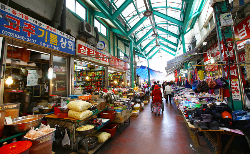 El Mercado Nangman se destaca por su simpática ambientación.