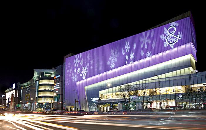 Suwon AK& exterior (top), AK Plaza shops and display (bottom) (all credit: Suwon AK Plaza)