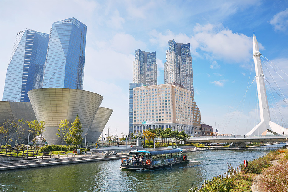 Songdo Central Park water taxi