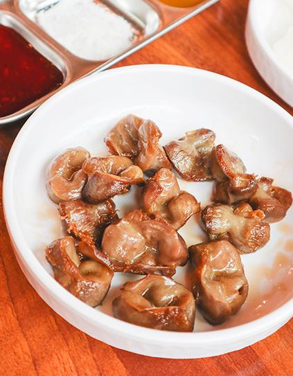 Dak Ttongjip (gésier de poulet)