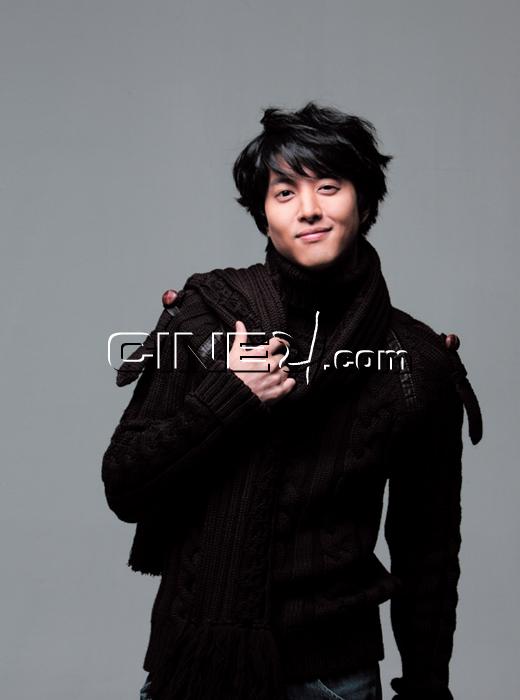 Lee Dong-gun (이동건)
