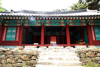 Sungryeoljeon Shrine (Photo courtesy: Cultural Heritage Administration)