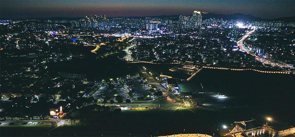 フライング水原の熱気球から眺めた水原市内の夜景