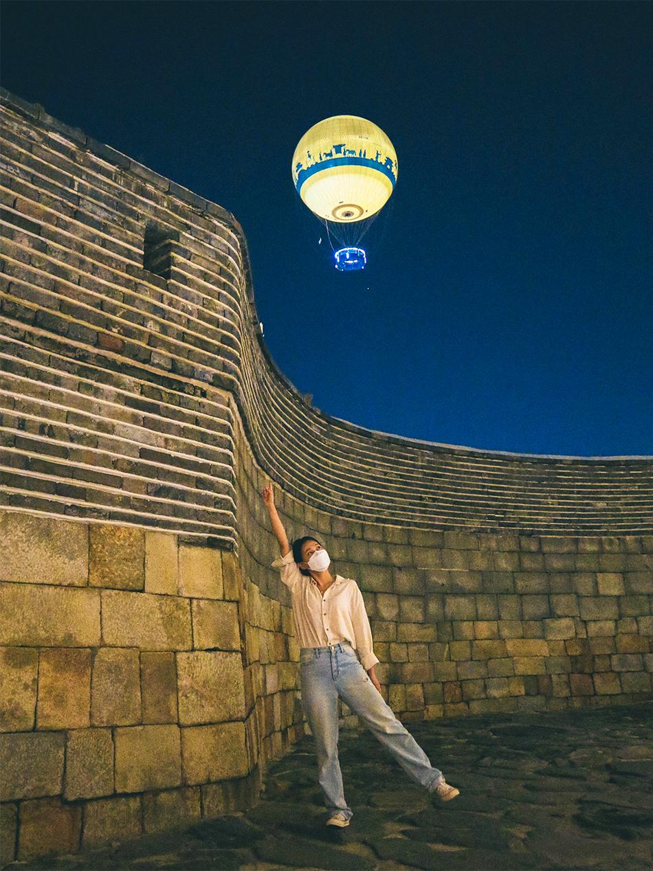 蒼龍門の石垣とフライング水原の熱気球