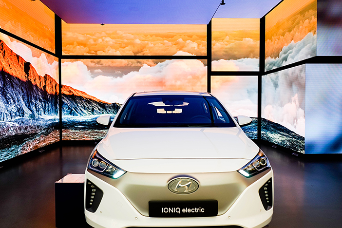 IONIQ Electric car, theme of Hyundai Motorstudio