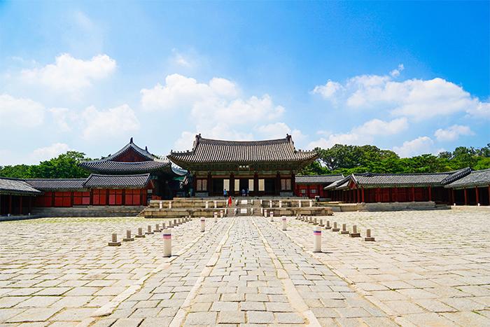 Le bâtiment myeongjeongjeon du palais Changgyeonggung
