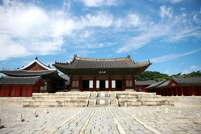 Myeongjeongjeon Hall, main hall of Changgyeonggung Palace