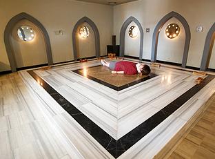 찜질방(하맘룸:터키의 고대 공중욕장을 찜질의 형태로 재현) 내부 전경