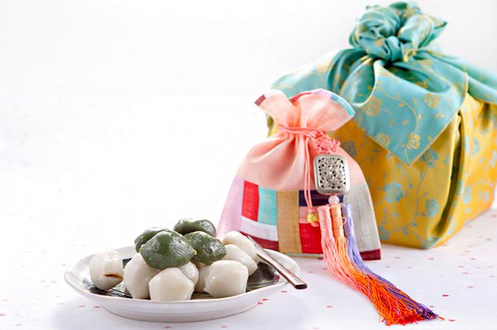 Songpyeon, halbmondförmige Reiskuchen