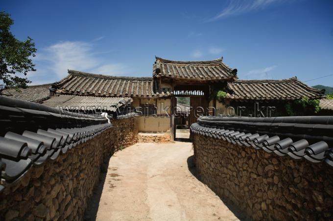 Nasangyeol House