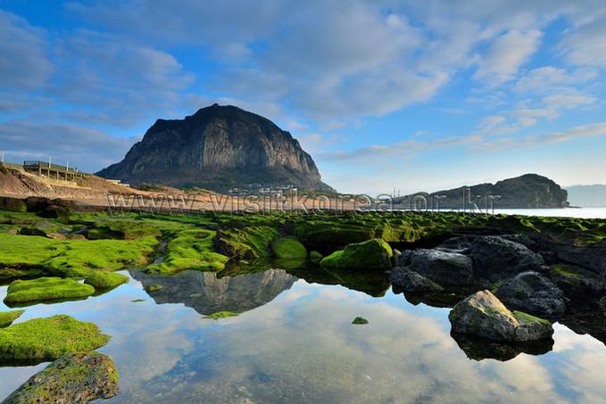 Sanbangsan Mountain & Yongmeori