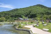 Village of the Nampyeong Mun Clan in Bon-ri