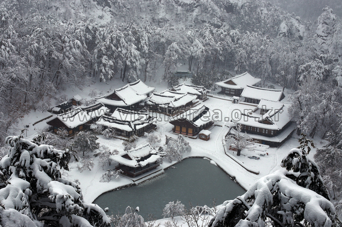 Snow-covered Buryeongsa Temple