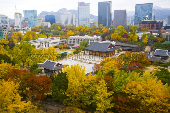 Deoksugung Palace in Autumn
