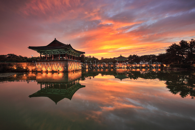 Sunset in Donggung Palace & Wolji Pond