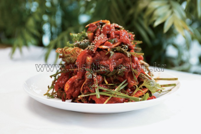 Seodae Hoemuchim (Seasoned Raw Fish with Vegetables)