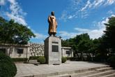 월남 이상재선생 동상