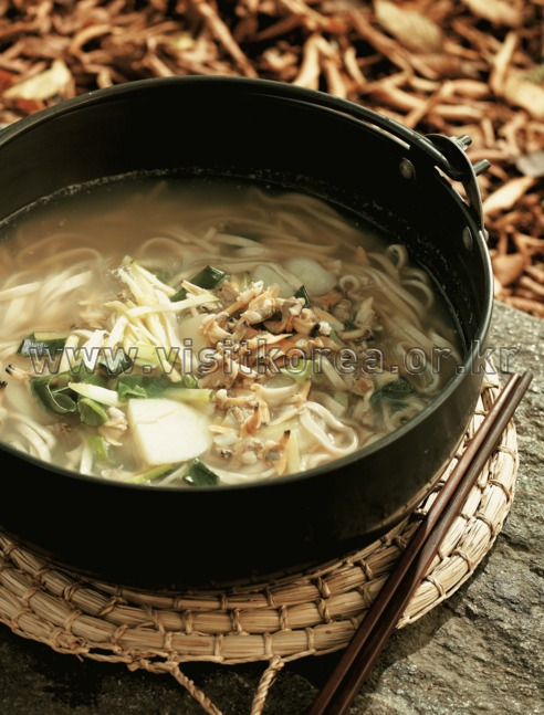 Bajirak Kalguksu (Hand-rolled Noodles with Short-necked Clam) ,Food