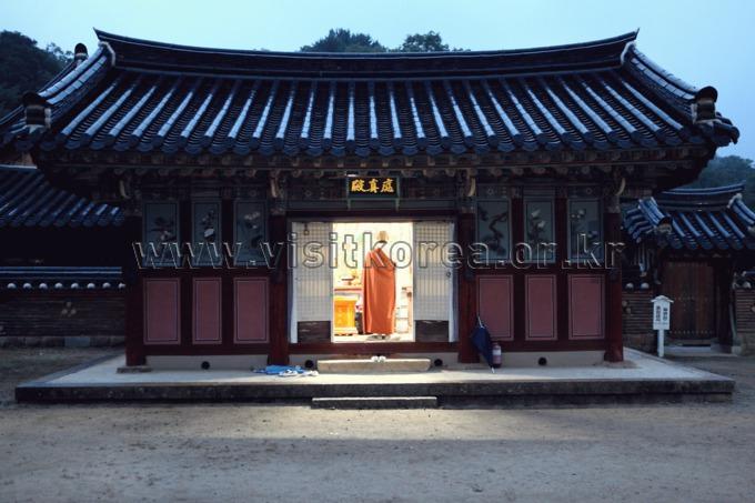 Haeinsa Temple Stay