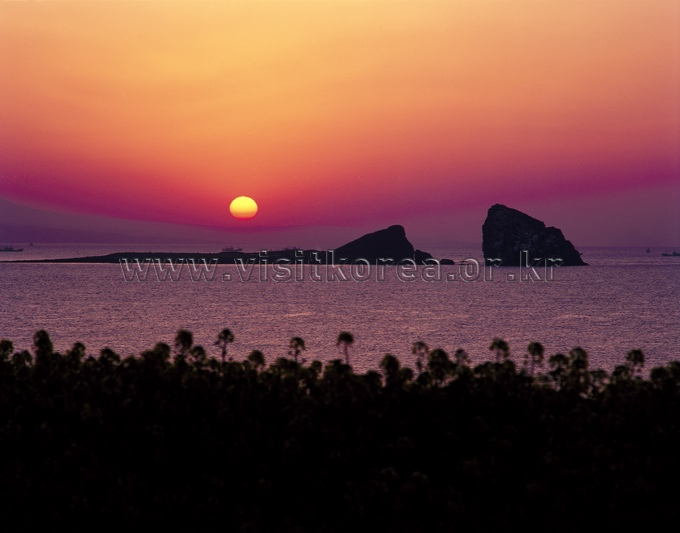 Sunset at Hyeongjeseom Island