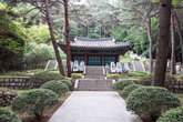 Tomb of Dongnae patriots of the Imjin War