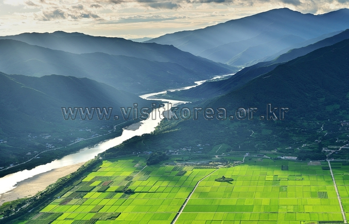 Along the Seomjingang River Waterway