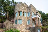 Hwajinpo Castle(Villa of Kim Il-sung)