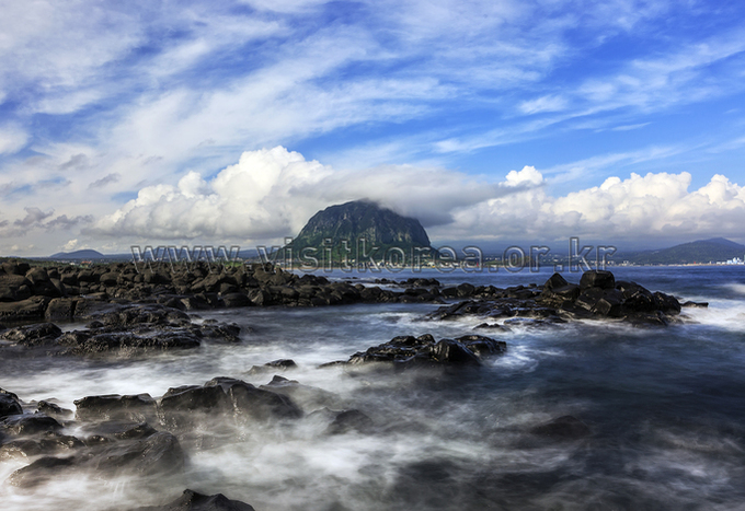 Sanbangsan Mountain and Waters of Jeju