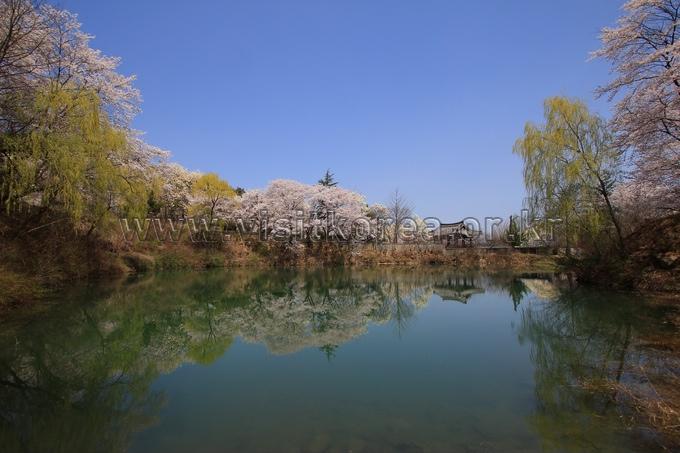 Deokcheon Seowon Confucian School