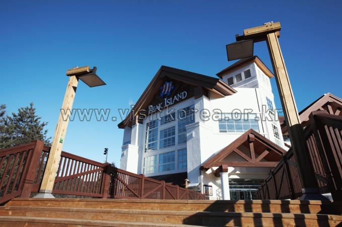 Yongpyeong Resort, Peakisland
