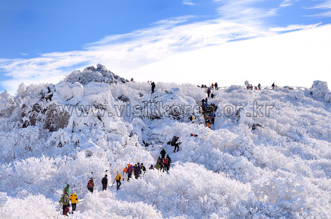 Snow-covered Deogyusan Mountain
