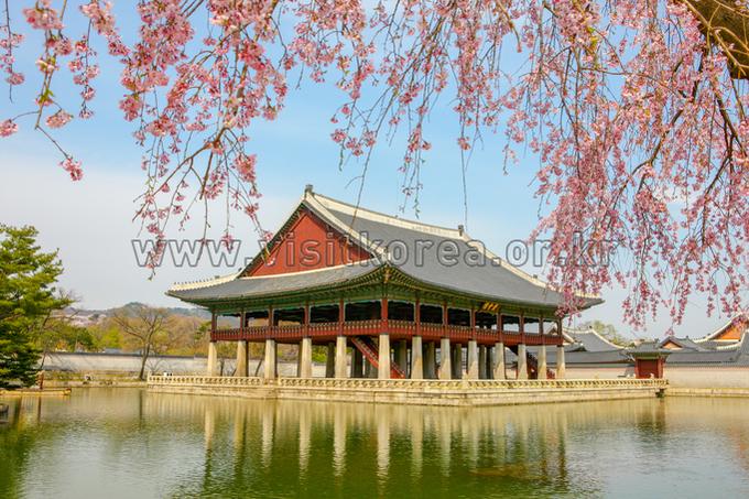 Gyeongbokgung Palace Gyeonghoeru