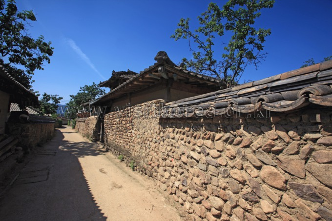 Stone Wall Street in Samjicheon Village