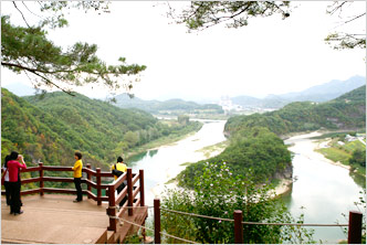 Seonam Village at Seogang River