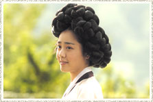 Shin Yunbok performed by Moon Geun-young