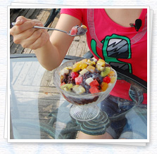 Eating shaved ice girl photo