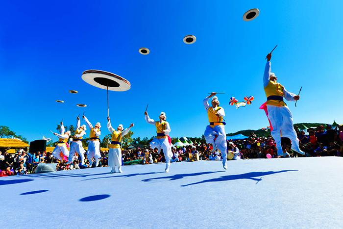 Photo: Anseong Namsadang Baudeogi Festival