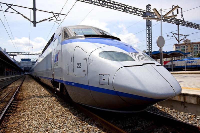 其中,仁川机场t1,t2站-光州松汀站每天4班列车,光州松汀站-仁川机场站