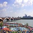 汉江公园泳池、戏水场暂定延期开场