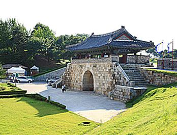 华西门(화서문)