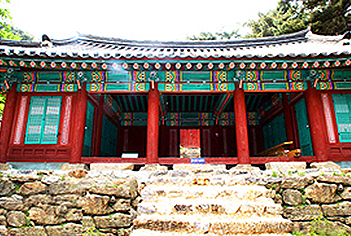 Sungryeoljeon Shrine (Photo courtesy: Cultural Heritage Administration)
