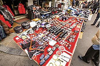 Hwanghakdong Flea Market (Dokkaebi Market)